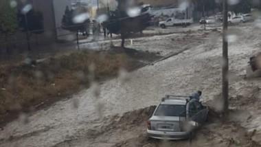 Otra de las imágenes que dejó la tormenta que una vez más hizo estragos en las calles de Comodoro.