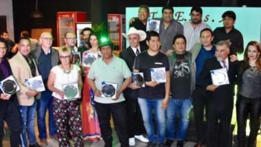 Todos los artistas locales que recibioeron su reconocimiento  de parte de la Municipalidad de Trelew.