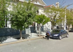El hecho ocurrió frente a la zona de cajeros del Banco Nación (imagen google maps)