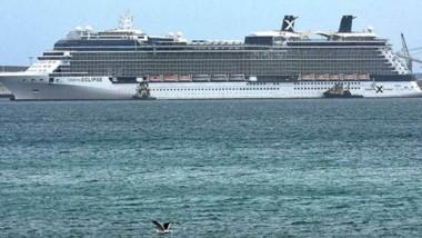 A primera hora del jueves amarró en el muelle Almirante Storni el crucero Celebrity Eclipse.