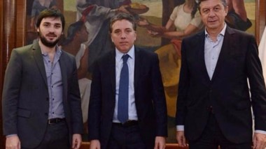 """""""Nacho"""" Torres, junto al diputado Menna y el ministro Nicolás Dujovne."""
