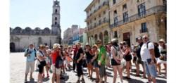 Turistas norteamericanos de paseo por la Havana. Ni Trump pudo impedir los alcances del acercamiento de Obama..