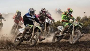 El evento se desarrolló en el circuito trazado en el predio que la Municipalidad de Rawson cedió a la Asociación de Motociclismo del Valle.