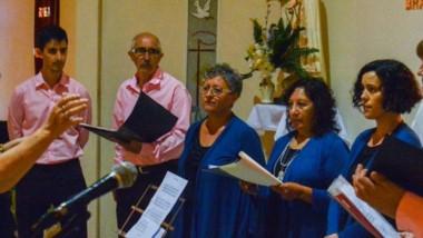 Participaron los coros de las Capillas Fátima, Cristo Obrero, Virgen del Rosario y de San Pedro y San Pablo.