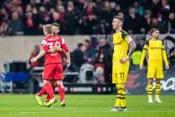 Bombazo en la Bundesliga: se cortó el invicto del Borussia Dortmund en Dusseldorf. El Fortuna le ganó 2 a 1 y salió de la zona de descenso.