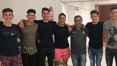 Jugadores y cuerpo técnico de La Española RC, contentos y conformes.