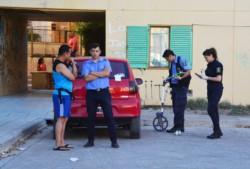 La Policía halló el auto desde donde se hizo el disparo mortal. (Foto: Alberto Evans / Jornada)