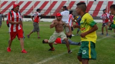 Barbarie y poca civilización. Los incidentes ocurridos el sábado pasado tras la final de vuelta del torneo Clausura, de elevada gravedad, pudieron haber tenido un desenlace trágico.
