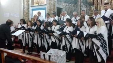 El Coro Estable Municipal, en un concierto en la Iglesia de Trelew.
