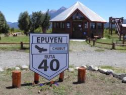 Riesgo. La entrada a Epuyén, el centro de la cadena de contagios.