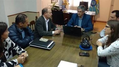 Encuentro. Una postal de la cumbre entre el equipo municipal y los enviados por el Gobierno nacional.