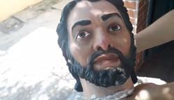 """Los vecinos """"rastrearon"""" el recorrido de """"José"""" que pasó por la costanera y terminó decapitado en el  Barrio Parque."""