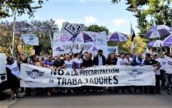 Los aeronavegantes se movilizan en defensa de sus derechos laborales, en contra de la precarización que avanza en el sector y ante el eventual vaciamiento que está  sufriendo Aerolineas Argentinas.