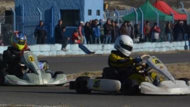 """Esta tarde, a partir de las 14 hs, los pilotos podrán realizar pruebas comunitarias en el kartódromo """"Juan Albertella"""" del Mar y Valle de Trelew."""