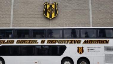 Así luce el nuevo colectivo del club Deportivo Madryn, que se conoció ayer a través de las redes sociales.
