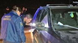 Personal de criminalística trabaja en la camioneta robada (foto @radio3trelew)