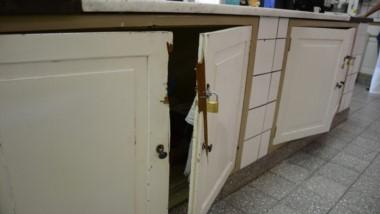Roto. Se registraron importantes daños materiales y el Gobierno prometió que los reparará de inmediato.