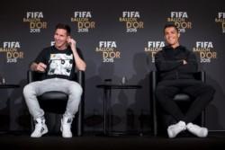 CR7  solicitó las entradas directamente al Madrid mientras Lionel las solicitó a la Real Federación Española.
