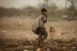 """""""Unos 6,3 millones de niños y jóvenes carecen de uno o más de los derechos básicos, como educación, protección social, vivienda adecuada, saneamiento básico, acceso a agua potable y un hábitat seguro"""""""