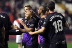 Los dirigidos por Mauricio Pellegrino derrotaron a Rayo Vallecano y avanzan en Copa del Rey.