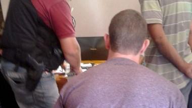 Hincha de River detenido: imputado en la justicia y suspendido como socio por la agresión al micro de Boca.