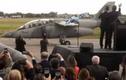 Macri visitó la provincia de Córdoba para presentar aviones Pampa III construidos por Fadea que serán destinados al combate al narcotráfico