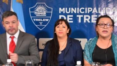Guillermo Zamora, Prsicila Llancafil y Nadia Zúniga durante la Mesa Panel.