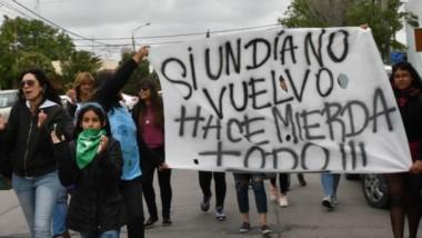 Rawson también se plegó al paro nacional de mujeres que reclamó justicia por Lucía Pérez, la joven platense asesinada.