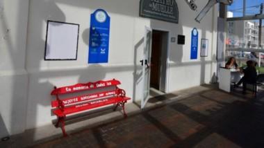 El banco rojo , ya instalado en Rawson y Trelew, llego a Puerto Madryn.