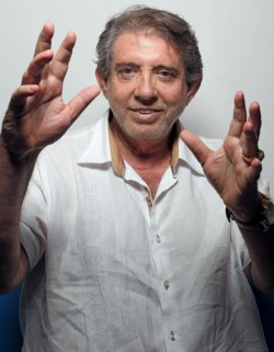 Las acusaciones contra Joao Teixeira de Faria, su nombre real, de 76 años, fueron hechas el viernes en un programa de televisión de máxima audiencia en Brasil.