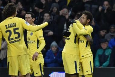 Neymar le dio la victoria al París Saint Germain como visitante.