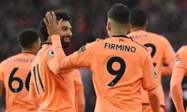 Más Mohamed Salah y Roberto Firmino firmaron un gol y una asistencia cada uno, liderando el triunfo 2-0 del Liverpool en casa del Southampton.