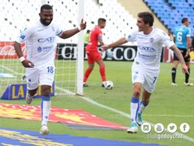 """Otro gol del """"Morro"""" García para Godoy Cruz, que ya está cuarto en el torneo."""
