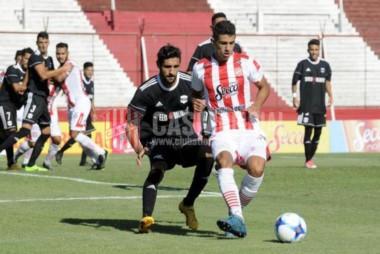 Riestra goleó a San Martín de Tucumán y sueña con quedarse en la B Nacional.