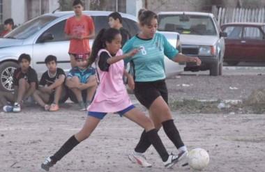 """La Escuela de Fútbol Femenino """"De Taquito"""" abrió sus inscripciones para las actividades que inician en marzo."""