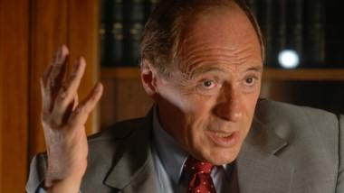 Eugenio Zaffaroni insistió con su idea sobre el Gobierno:
