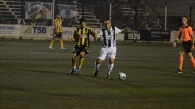 La única conquista del partido la marcó Mc Coubrey, tras pase de Tapparello. (Foto: Diario Río Negro).