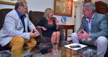 La intendente aseguró que con Arcioni se ha iniciado una etapa de consenso y diálogo.