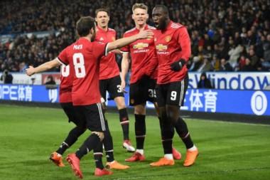 Con doblete de Romelu Lukaku, Manchester United aseguró su presencia en los cuartos de final de la FA Cup.