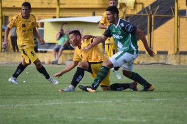 Sarmiento ganó un partidazo. Perdía 3-1 y se impuso 5-3.