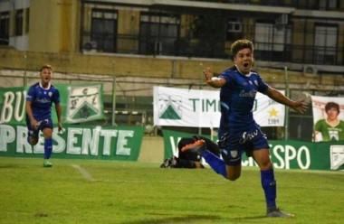 Atlético Rafaela derrotó 2-0 a Ferro en Caballito y es puntero en soledad.