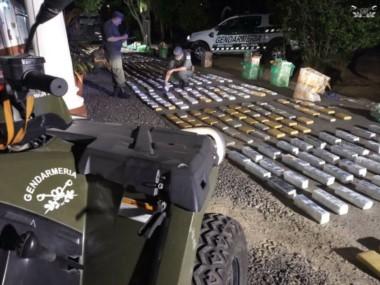 Decomisamos más de 700 kg de marihuana transportados en un camión, que iban acondicionados en paquetes. El chofer de nacionalidad paraguaya detenido.