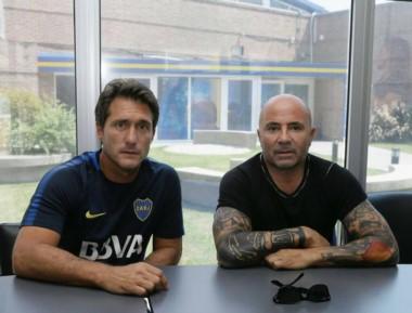 Sampaoli sólo se reunió con Guillermo. Con los jugadores se saludó pero no hubo charlas individuales.