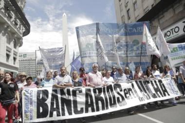 Una anterior movilización de bancarios con paro en todo el país.