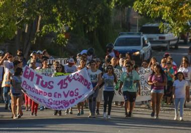 La marcha fue desde el barrio 290 hasta la plaza Centenario de Trelew.