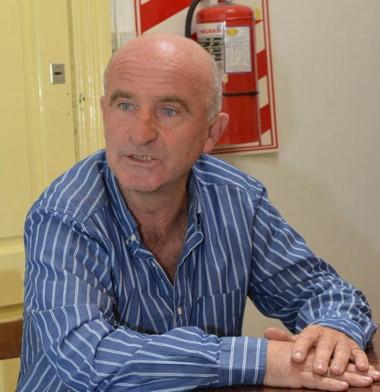 Garzonio se reúne hoy con Arcioni y reemplazaría a Oca en Economía.