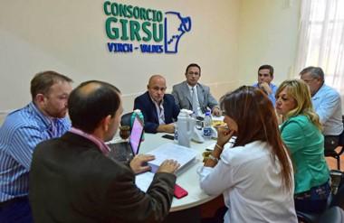 Juntos. Los intendentes del Valle repasaron la situación del GIRSU y eligieron de nuevo al madrynense.