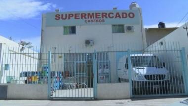 Una reja suelta de un supermercado cayó y mató a una nena de 4 años en Bahía Blanca.