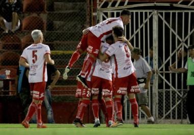 Huracán mantiene su sueño de jugar la Libertadores.