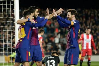"""Barcelona demolió 6-1 a Girona con un """"hat trick"""" de Suárez, doblete de Messi y una joya de Coutinho."""